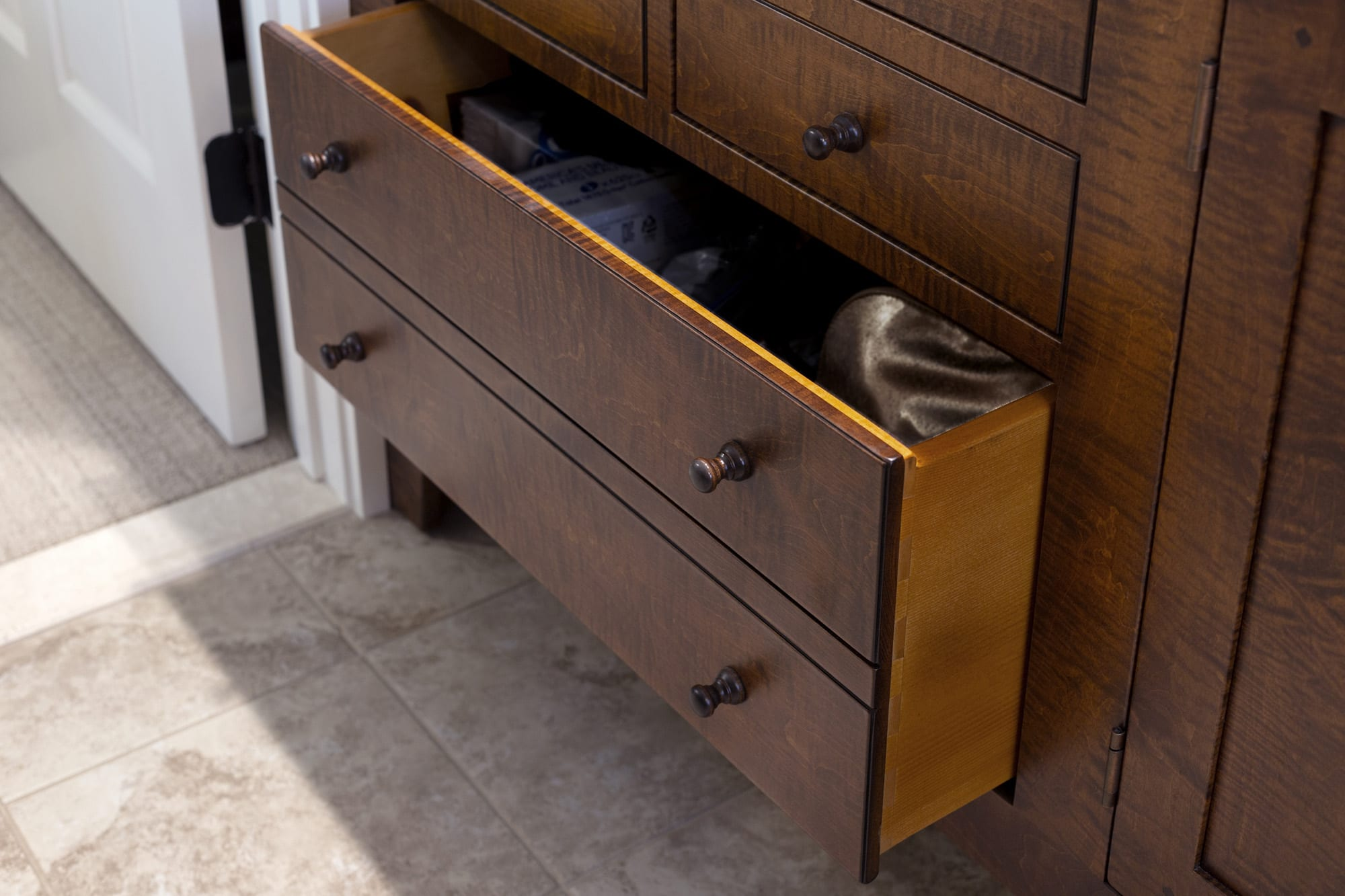 Traditional Shaker Style Bathroom Vanities drawer detail